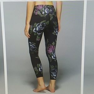 Lululemon High Times pant 4 garden party floral
